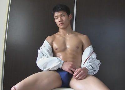 【ゲイ動画】筋肉質な体育会系マッチョ素人がおもちゃでケツ穴を遊ばれて初めて男の手コキでイカされネバネバ精子を噴射する!