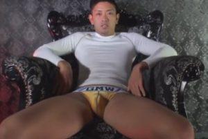 【ゲイ動画】クールな早漏エグザイル系ノンケがローション手コキでスグに射精!手コキでイク瞬間とオナニーでイク瞬間を撮影する!