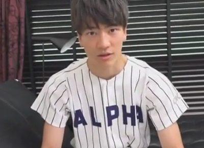 【ゲイ動画】ジャニ系野球部大学生が公園で自主練していたらコーチと遭遇!コーチの家にお邪魔し裏取引に身体を差し出す大学生…!