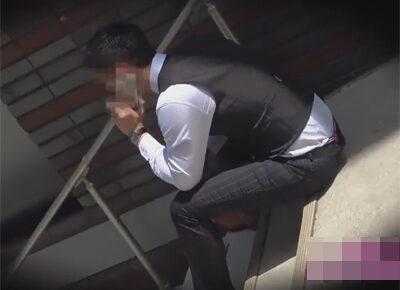 【ゲイ動画】チンコ調査企画のバイトがあるとイケメン素人リーマンに声を掛けエロチンポをローション手コキでイカせると特濃精液が溢れ出す!