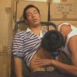 【ゲイ動画】会社の倉庫で犯される真面目系なスリ筋佐川男子!長いマラをしゃぶられてアナルファックからの顔射で弄ばれてしまう…!