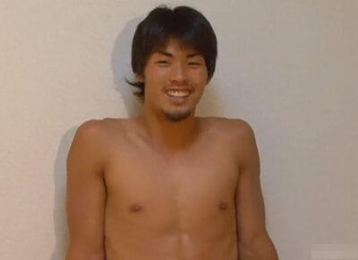 【ゲイ動画】美しく引き締まった筋肉が魅力的なマッチョなイケメンなノンケの男がオナニー姿を披露する!