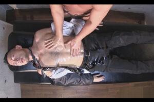 【ゲイ動画】会社でエロビデオを見ていたイケメンリーマンが寝てしまい夢の中でスーツをオイルまみれにされケツ掘り亀頭責めで大量潮吹き!