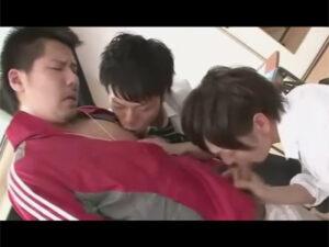 【ゲイ動画】イケメン男子校生が先生が盛っていた動画をネタに脅迫!補習授業そっちのけで3Pアナルセックスにハッテンする!