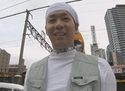 【ゲイ動画】タオルを頭に巻いているガテン系の男が休憩時間にHな撮影を笑顔で満喫することになる!
