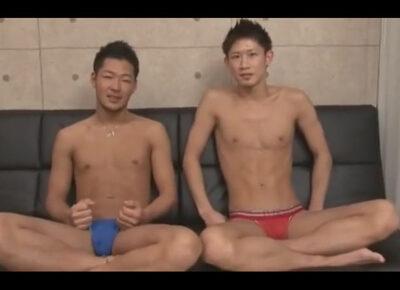 【ゲイ動画】エロい下着を履いた面識のあるイケメン2人が相互フェラや兜合わせで気持ち良くなりキスを交わしながら手淫でイク!