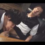 【ゲイ動画】暇を持て余したバーのアルバイト店員がやって来た客にキツい酒を飲ませて酔わしチンポにイタズラして暇を潰す!
