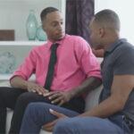 【外国人ゲイ動画】黒人系のマッチョな2人の男が生セックスを激しく楽しんで激しい腰振りで絶頂しあうことになる!