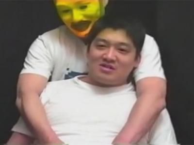 【ゲイ動画】クスコを使っての直腸観察も…!インタビューされながら服を脱がされた元ラガーマンのがっちり素人がゲイのテクに悶絶ヨガり!