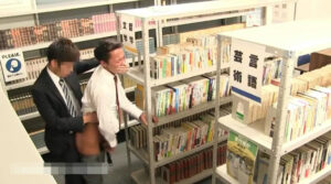 図書館_スーツリーマン_ハッテン_顔射_ゲイ画像5