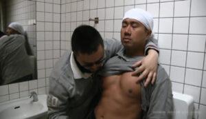 中年_ガテン系_多目的トイレ_フェラ手コキヌキ_ゲイ画像4