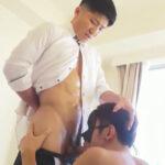 【ゲイ動画】スーツの下はセクシーな下着…!ドSなマッチョリーマンが舐め奴隷にチンポをしゃぶらせて顔にザーメンを発射する!
