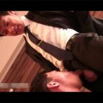 【ゲイ動画】不動産屋のイケメン営業マンが実はゲイ…!物件案内をされて家賃の値切り交渉で営業マンにアナルを差し出すお客様!