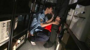 警備員_リーマンと夜な夜なSEX_オフィス_正常位_ゲイ画像2
