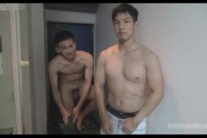【ゲイ動画】イカニモ系なマッチョなモデル男優がファンの家を訪問してアナルセックスで交流を深めあうことになる!