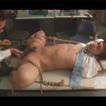 【ゲイ動画】眼鏡をかけたサラリーマンが同僚を芸術的に縄で縛り付けて身動き取れない肉体をいじらりまくりケツも犯す!