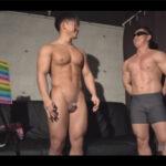【ゲイ動画】マッチョガチムチな素人ノンケ男が賞金を求めてHなチャレンジをしてアナルセックスで昇天させられることになる!