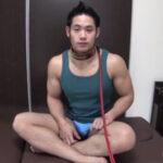 【ゲイ動画】筋肉マッチョに首輪を装着しペットに…!飼い主様にビンビンのチンポをシコシコされ飼い主様のケツマンに肉棒を挿入する!